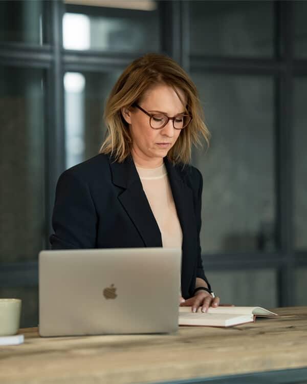 refra|me Kathrin Krügel: Themenbesprechung bei einem Consultingtermin